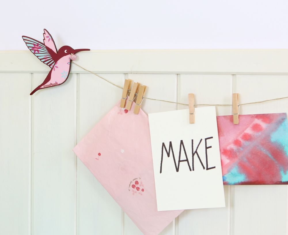 Kids art display hanger